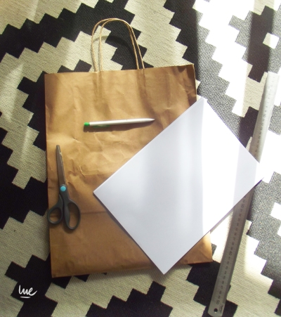 #shoppingbag #bag #notebook #diy #stamp #paint #color #eraser #recycle #green #exacto #scalpel #ananas #pineapple #kraft